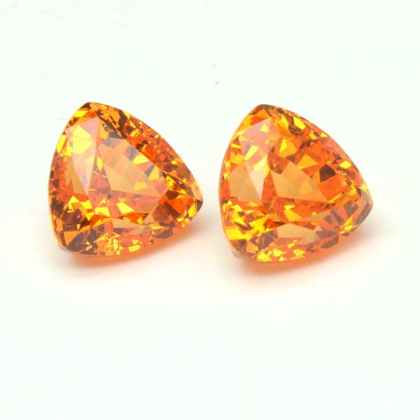 Paire de grenat mandarin 5,75 carats